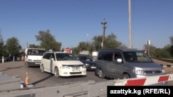 Бишкек-Чалдыбар жолу бир нече саат буулуп турду.