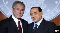 سيلويو برلوسکونی، نخست وزير ايتاليا، وجرج بوش، رييس جمهوری آمريکا، در رم دیدار کردند. (عکس از AFP)