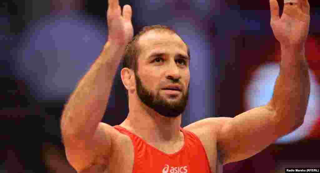 Альбиев Ислам-Бек – желтойн-риман кепехь охьатохархо, 28 шо, Оьрсийчоьнан, дуьненан, 2008-чу шеран Олимпиадан ловзарийн толамхо, дуьненан чемпион.