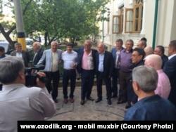 Хусан Зиямухамедов и Салим Абдувалиев в центре