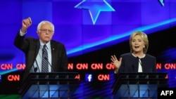 Берни Сандерс и Хиллари Клинтон.