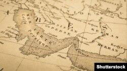 یک نقشه قدیمی جهان که آبراه خلیج فارس را نشان میدهد.