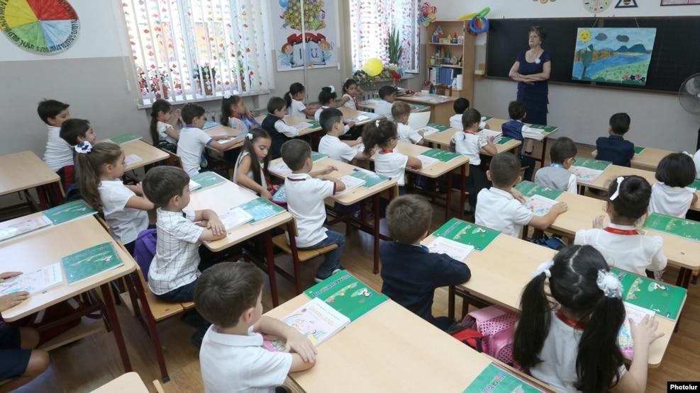 В школах Армении обучаются около 600 детей из Сирии