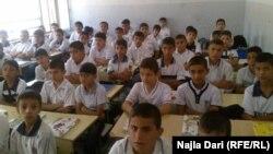 في احدى مدارس بغداد