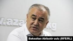 """Өмүрбек Текебаев """"Азаттыктын"""" студиясында"""
