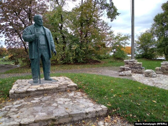 Памятник Савве Ямщикову