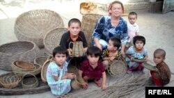 Семья ремесленников из Худжанда