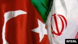 العلمين التركي والايراني