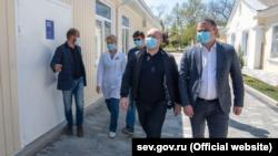 Російська влада Севастополя перевіряє новий корпус інфекційної лікарні