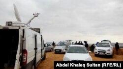 Группа журналистов в окрестностях Кобани