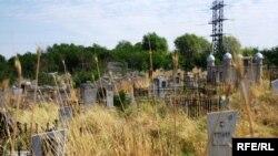 Старое городское кладбище. Иллюстративное фото.