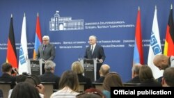 Էդվարդ Նալբանդյանի և Ֆրանկ-Վալտեր Շտայնմայերի համատեղ ասուլիսը, Երևան, 30-ը հունիսի, 2016թ․