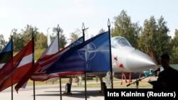 Литваның Шяуляй аэродромына қонған АҚШ-тың F-15C маркалы әскери ұшақтары. 30 тамыз 2017 жыл.