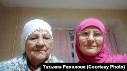 Мөэминә Ишматова һәм Татьяна Равилова (у)