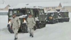 Германияда әскерилер қар тазалап жатыр