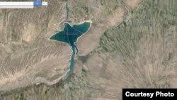Водохранилище Керкидан. Кыргызско-узбекская граница. Скриншот сайта google.maps