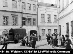 Ліпень 1941 году, жыхары Менску