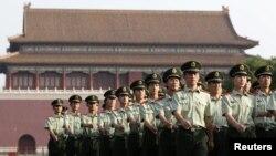 Бээжиндеги Тяньаньмэнь аянты.