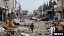 احد شوارع كوباني المدمرة