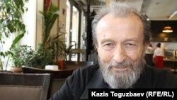 79-летний житель Алматы Эльвир Овчинников. Алматы, 8 апреля 2016 года.