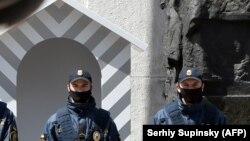 Poliția, la intrarea în Parlamentul ucrainean