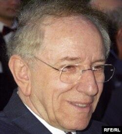 Nestor Ratesh