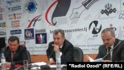 نورالدین سعید اف، وزیر معارف و و علوم تاجیکستان (نفر وسط)
