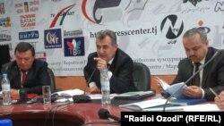 Нуриддин Саидов ба саволҳои хабарнигорон посух медиҳад