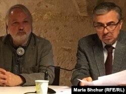 Микита Петров та Костянтин Сігов під час презентації в Колежі бернардинів, Париж. 12 жовтня, 2019 року