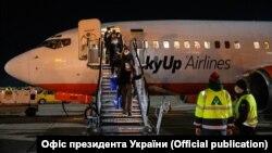 Міністерство інфраструктури закликає громадян не зволікати з поверненням до України