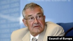 Council of Europe Secretary-General Terry Davis (file photo)