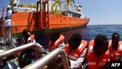 نجات پناهجویان در سواحل لیبی.