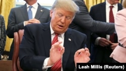 Președintele Donald Trump miercuri în Biroul Oval la Casa Albă