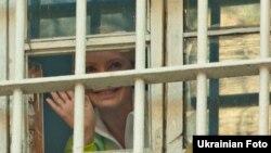 Юлия Тимошенконың Киевте тергеу абақтысында отырған кезі, Украина, Киев, 4 қараша 2011 жыл.