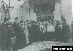Шефика Гаспринская и ее соратницы на Первом Курултае крымскотатарского народа
