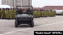 Нерӯҳои марзбонии Тоҷикистон тобеи КДАМ мебошанд.
