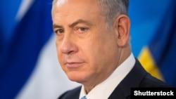 Izraelski premijer Benjamin Netanyahu kojeg večeras u Jerusalimu zbog sumnji u korupciju ispituje policija