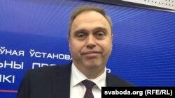 Міністар аховы здароўя Ўладзімер Каранік, архіўнае фота