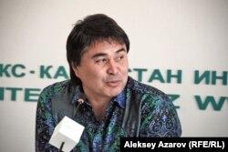 Генеральный продюсер юбилейного концерта A'studio Арман Давлетьяров. Алматы, 8 октября 2012 года.