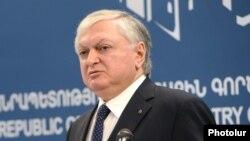 Հայաստանի արտաքին գործերի նախարար Էդվարդ Նալբանդյան, արխիվ
