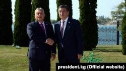 Премьер-министр Венгрии Виктор Орбан и премьер-министр Кыргызстана Сооронбай Жээнбеков. Сентябрь, 2018 г.