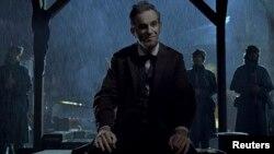 Актерот Даниел Деј-Луис во улогата на Абрахам Линколн.