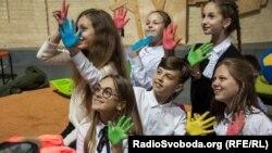 Школярі під час презентації проекту «Стоп шкільний терор»