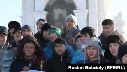 Участники забега «550 метров к 550-летию Казахского ханства». Астана, 31 января 2015 года.