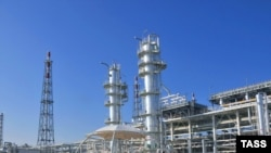 Facilities at the Samantepe gas field. Foreign investors are vying for access to Turkmenistan's gas resources.