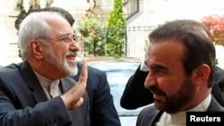 محمدجواد ظریف (چپ) در وین- ۲۶ خردادماه ۱۳۹۳