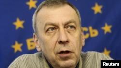Бывший кандидат в президенты, оппозиционер Андрей Санников. Минск, апрель 2012 года.