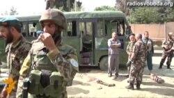 Світ у відео: Терорист вбиває афганських офіцерів
