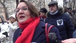 Гнев матерей и провокации кремлевских друзей
