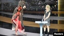 """Aktrisa Korina Masyero """"Sezar"""" mükafatlarının təqdimatında. 12 mart 2021"""